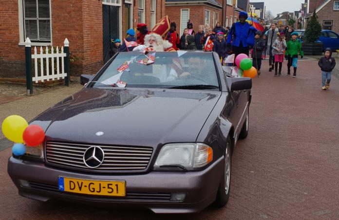 Sinterklaasfeest Niezijl valt bijna in het water